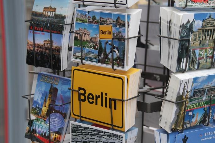 postcard-1736323_1280